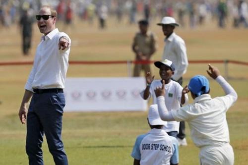 RTRMADP_3_BRITAIN-ROYALS-INDIA